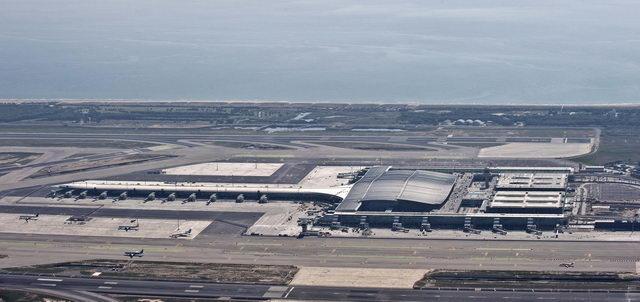 Fotos de AENA bastante recientes de las obras de la nueva terminal sur y de su futura carretera de acceso desde la...