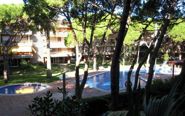 Historia de gav mar apartamentos las marinas for Piscina gava